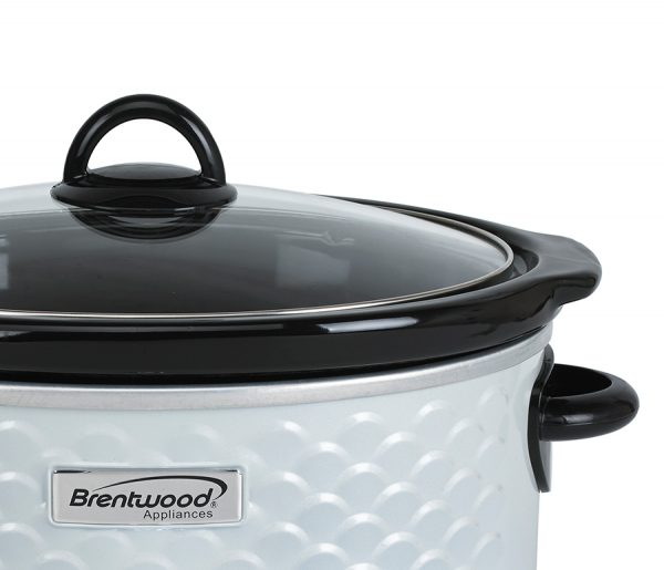 Brentwood Appliances 4.5-Quart Scallop Pattern Slow Cooker - White
